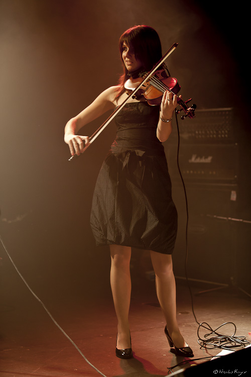 Violoniste du groupe Cidjy