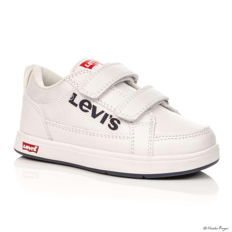 Photographie packshot de chaussures de marque en Auvergne