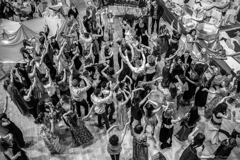 Danse des invité durant le mariage