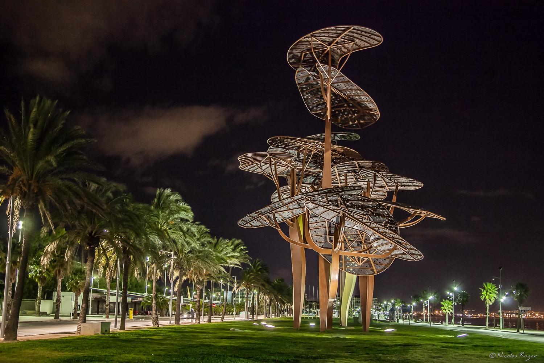 Photographie d'une sculpture moderne à Girona en Espagne