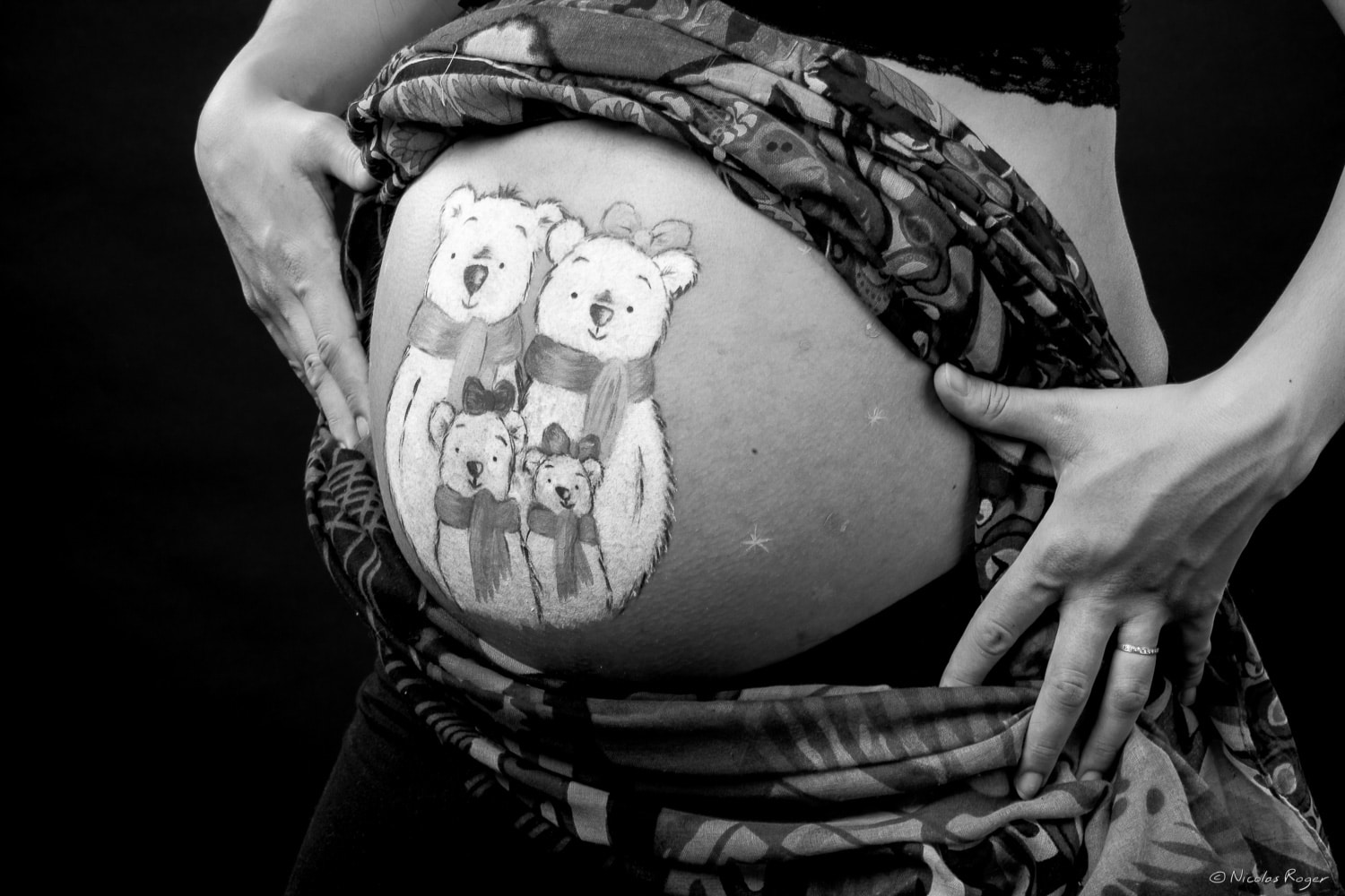 Photographie de grossesse en belly painting