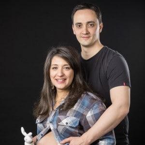Photographie d'un couple autour d'une grossesse