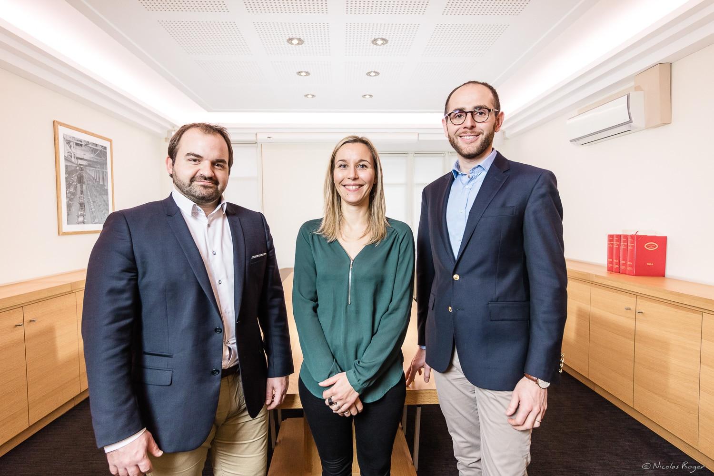 Photographie corporate de trois personnes en Auvergne.