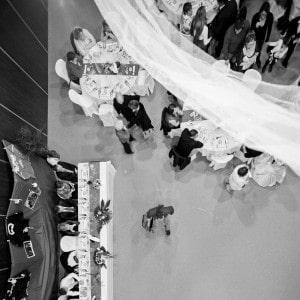 """Photographie """"aérienne"""" du repas de mariage"""