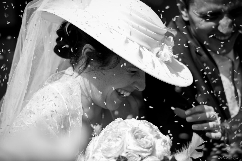 Mariage, le jeté de riz à la sortie de l'église