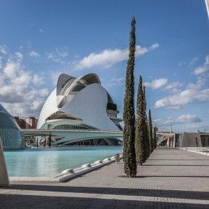 Photographie d'une esplanade de Valencia en Espagne