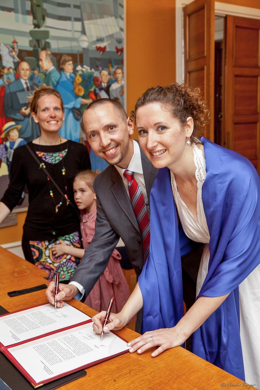 Signature des registres de mariage à la marie de Chamalières