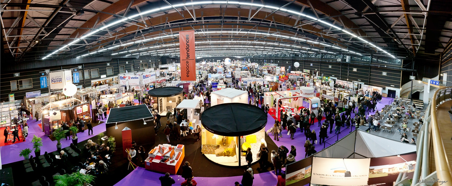 Panoramique photographique d'un salon professionnel