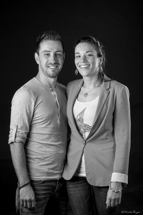 Photographie de couple en noir et blanc.