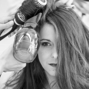 Préparation - La mariée se fait coiffer