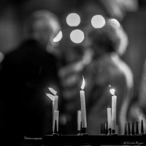 Photographie de bougies dans l'église - Ambiance