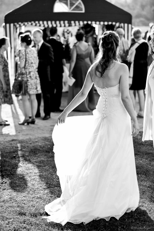 Mariée dans un rayon de soleil
