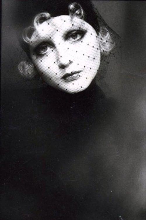 Photographie d'une modèle par Sarah Moon
