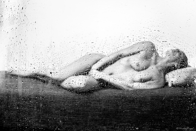 Photographie artistique en noir et blanc : Pluie de printemps