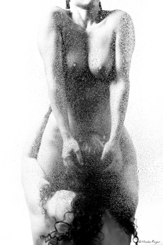 Pluie de printemps : série d'un artiste photographe en noir et blanc